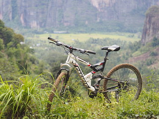 © Indonesia Mountain Bike Harau Valley West Sumatra Southeast-Asia Sumatera Barat - Fahrrad Indonesien Südost-Asien West-Sumatra