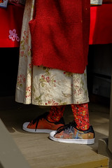 Colorful legs (Nihon Zaichuu Scotto) Tags: photowalking