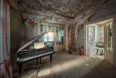Anna, is that you? (hpd-fotografy) Tags: germany hdr urbanexploration urbex villaanna abandoned decay derelict doctor eerie fineart forgotten grandpiano haunted lost old rotten scary spooky ultrawide urban