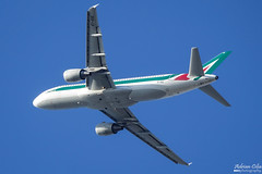 Alitalia --- Airbus A320 --- EI-EIE (Drinu C) Tags: adrianciliaphotography sony dsc rx10iii rx10 mk3 mla lmml plane aircraft aviation alitalia airbus a320 eieie
