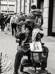 Senior newspaper man (penn.sara) Tags: blackandwhite nikon nikonitalia bnwrose worldbnw peoplescreative photography streetphotography phography bnw bn bnwvision photo street photographer bnwcaptures londra world topworldphoto people