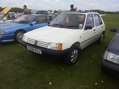 1985 Peugeot 205 GRD (quicksilver coaches) Tags: peugeot 205 c326fhj bicesterheritage bicester