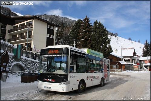 Gépébus Oréos 4x - VFD (Voies Ferrées du Dauphiné) / Les 2 Alpes n°445
