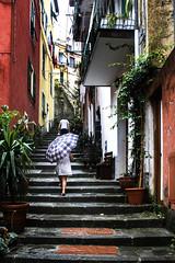 In un giorno di pioggia (merlo.betty) Tags: pioggia girl 5 terre italy liguria colore mare monterosso travel canon