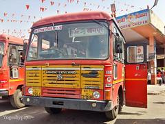 Kinvat - Nagpur (yogeshyp) Tags: msrtc maharashtrastatetransport msrtcparivartanbus kinvatdepotbus kinvatnagpurstbus