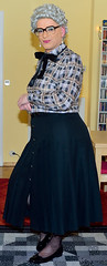 Ingrid023938 (ibach411) Tags: bowblouse schleifenbluse pleatedskirt faltenrock buttonthrough durchgeknöpft mature