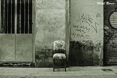 Hausnarketak/Reflexiones (mromeoruiz.wordpress.com) Tags: world street streetphotography photography photo photojournalism photographer underground people madrid viajes bidaiak mundua cosasdelacalle porlacalle kalekogauzak kaletik