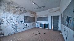 old school (أبوغيث) Tags: old journey lg lgg5 darkness desert camera canon black brown