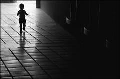 F_47A9191-1-BW-Canon 5DIII-Tamron 28-300mm-May Lee 廖藹淳 (May-margy) Tags: maymargy bw 黑白 人像 剪影 背影 走廊 鋪磚 地坪 牆壁 脈動 小孩 幾何線條 宜蘭縣 台灣 中華民國 taiwan repofchina humaningeometry 街拍 streetviewphotographytaiwan 線條造型與光影 linesformandlightandshadows 天馬行空鏡頭的異想世界 mylensandmyimagination 心象意象與影像 naturalcoincidencethrumylens f47a91911bw portrait silhouette viewfromback corridor wall tiled floor motion blur human 模糊 散景 yilancounty canon5diii tamron28300mm maylee廖藹淳