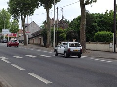 Fiat Uno 6678 WM 37 - 22 mai 2013 (Boulevard Jean Jaures - Joue-les-Tours) (Padicha) Tags: auto new old bridge france water grass car station electric truck river french coach ancient automobile eau indre may police voiture ruine cher rest former 37 nouveau et loire quai franais nouvelle vieux herbe vieille ancienne ancien fleuve nationale vehicule lectrique reste gendarmerie gazon indreetloire franaise pave nouveaut vhicule utilitaire restes vgtalise letramdetours padicha