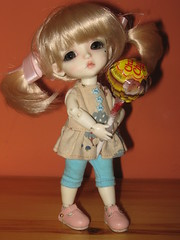 Lolly stealer (Tabifantasic) Tags: vampire lea lati