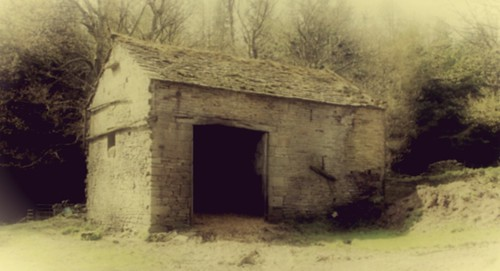 The owd empty barn