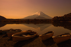 Silent Prelude (NatashaP) Tags: morning lake mountains reflection japan sunrise landscape boats dawn  shoji fujigoko  shojiko mtfujifuji nikkor2470mm nikond800