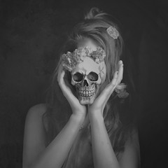 A love story (LorenzaDapr) Tags: blackandwhite black love girl dark hair dead skull story dreams lovestory