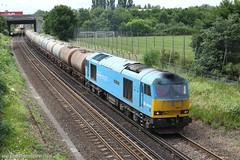 Southampton Airport Parkway - 04/07/13 (davekirwinphotography (Railway)) Tags: tug soa dbs oiltanks ews southamptonairportparkway class60 60074 teencancer