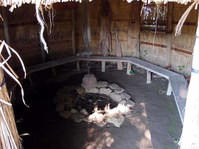 デンデラ野 小屋の中は…|デンデラ野