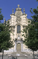 Cambrai, chapelle du Grand Sminaire (Ytierny) Tags: france vertical architecture square pierre religion baroque faade nord paroisse edifice cambrai villefortifie grandsminaire lieudeculte chapelledesjsuites aileronvolute ytierny