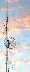 Catching all the news that's fit to catch (ja cour) Tags: sunset sky color florence alabama seti antenna radiostation metaltower