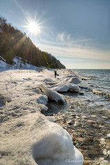 Lake Michigan ... sunny Saturday salute! (Ken Scott) Tags: usa snow ice december jane michigan shoreline hike lakemichigan greatlakes sunburst freshwater leelanau 45thparallel petersonpark 2013 kenscottphotography kenscottphotographycom