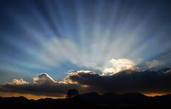 Il Cielo sopra Torreglia (tampurio) Tags: light sunset sky italy sun sunlight clouds italia nuvole ray sony cielo sole padova veneto torreglia slta58 {vision}:{sunset}=0781 {vision}:{mountain}=0783 {vision}:{clouds}=099 {vision}:{sky}=099 {vision}:{ocean}=0678 {vision}:{outdoor}=0893