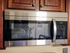 LG Microwave (pgh_shutter) Tags: home kitchen pittsburgh unitedstates pennsyl