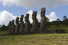 Ahu Akivi 30359_DxO (photostudio63 photographe clermont ferrand) Tags: travel horizontal chili circuit moai voyages rapanui isladepascua 2014 amriquedusud amriquelatine ledepques photostudio63 photographeclermont63fr photostudio63fr photographeclermont63com photostudiocom thierrytavars