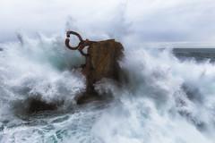El Peine del Viento (Alfredo.Ruiz) Tags: canon eos6d ef1635 amanecer mar cantabrico donostia peindelosvientos chillida alavavision chicosdelalba