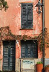Montemarcello, particolare (anto_gal) Tags: liguria laspezia 2017 ameglia montemarcello paese particolare borghipùbelli