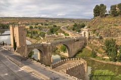"Alcantara Bridge • <a style=""font-size:0.8em;"" href=""http://www.flickr.com/photos/45090765@N05/33071393474/"" target=""_blank"">View on Flickr</a>"