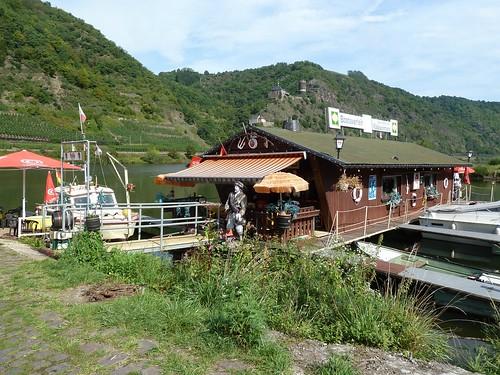 Die Gaststätte der besonderen Art: Zum Klabautermann in Burgen an der Mosel