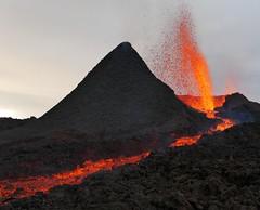v2 (loïcabadie) Tags: eruption pitondelafournaise laréunion réunion volcan lave