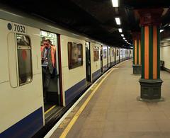 D Stock at Bow Road (bowroaduk) Tags: tube londontransport londonunderground