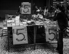 Bom preço / Good price (jadc01) Tags: fotosderua pessoas populares streetphotography streetphotographer books usedbooks woman people bookshelf blackandwhite blackwhite