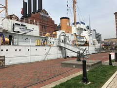 US Coast Guard which had survived Pearl Harbor Attack (Sung W Cha) Tags: basin boat harbor inner baltimore