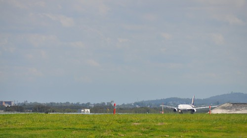 Thai Airways International Boeing 777-300 (HS-TKA), Brisbane International Airport