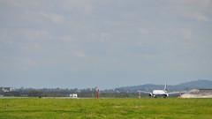 Thai Airways International Boeing 777-300 (HS-TKA), Brisbane International Airport (David McKelvey) Tags: 2012 australia brisbane international airport queensland thai airways boeing 777300 hstka nikon d5000