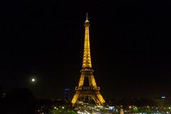 Paris 2014 (2) (José M. Arboleda) Tags: torre eiffel noche luna llena paris francia eos josémarboledac ef24105mmf4lisusm markiii 5d