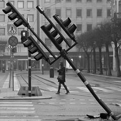 Diagonal (Per Österlund) Tags: bnw bw baw diagonal street streetphotography streetphoto stockholm sweden scandinavia people 2017 strasenfotografie gatufoto norrmalmstorg flickr square squareformat noiretblanc svartvitt streets streetbnw streetbw panasonic panasonicgx7