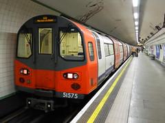 51575_01 (Transrail) Tags: 1995 stock london underground londonunderground tube deepleveltube northern northernline gecalstom 6car emu electricmultipleunit charingcross