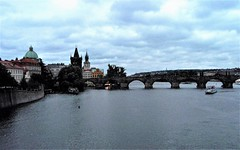 Praga - Puente de Carlos IV (Eduardo OrtÍn) Tags: praga rio agua ciudad puente