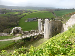 Corfe Castle (andreboeni) Tags: nationaltrust corfe castle corfecastle ruin historic heritage medieval drawbridge tower