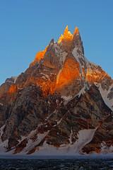 Sosbun Brakk: Alpenglow (Shahid Durrani) Tags: sosbun brakk sunrise alpenglow morning snow lake biafo glacier karakorams karakoram pakistan