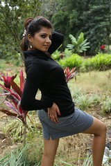 Indian Actress DISHA POOVAIAH Hot Photos Set-2 (33)