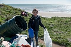 Isle of Wight Beach Clean at Compton Bay - DSCF2129 (s0ulsurfing) Tags: s0ulsurfing 2017 march isle wight beachclean pollution coast compton beach rubbish