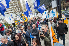20170428_USW_Solidarity_Demonstration_Toronto_533.jpg (United Steelworkers - Metallos) Tags: manifestation demonstration usw d5 metallos union district5 syndicat glencore cezinc demo stockexchange toronto canlab