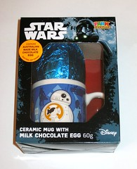 star wars easter rogue one 2017 milk chocolate bb-8 and first order stormtrooper ceramic mug with an australian made milk chocolate egg park avenue misb a (tjparkside) Tags: ceramic mug with milk chocolate egg 60g star wars easter chocolates holiday merchandise australia rogue one 1 imperial death trooper park avenue disney 2017 bb8 bb 8 misb r1 force awakens tfa episode 7 seven vii story tie fighter fighters atat walker walkers first order stormtrooper 1st rey reys speeder