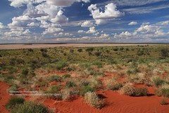 near Mt. Conner, Outback (blauepics) Tags: australia australien northern territories nördliches territorium landscape landschaft outback sand red rot mt conner clouds wolken bushes büsche