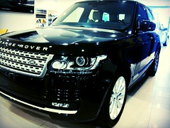 Land Rover-Range Rover Vogue. (Danny Galvez) Tags: cars beautiful beauty lines car truck amazing offroad 4x4 awesome rangerover impressive dealer autobiography