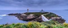 Isla Pancha (Eduardo Regueiro) Tags: sea lighthouse faro puente mar rocks paz galicia lugo oceano atlantico tranquilidad ribadeo sosiego baliza islapancha
