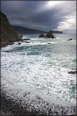 San Juan De Gaztelugatxe (Mr.Littlewall) Tags: mar playa sanjuan paisvasco ermita gaztelugatxe